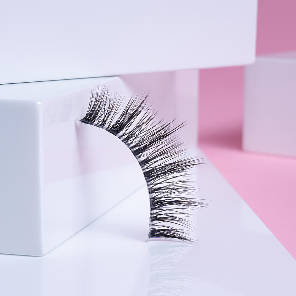 When it comes to natural-looking fake eyelashes, the Robin is one of our very favorites.