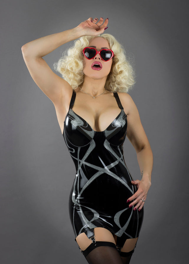 Rose Noir Latex