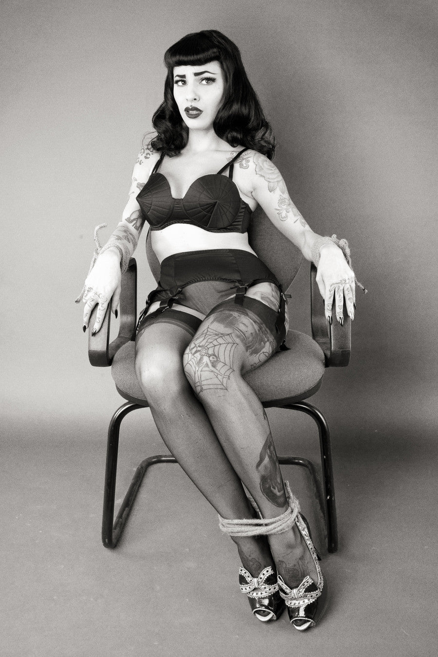 Bettie Page Classic Suspender Belt XS-2XL