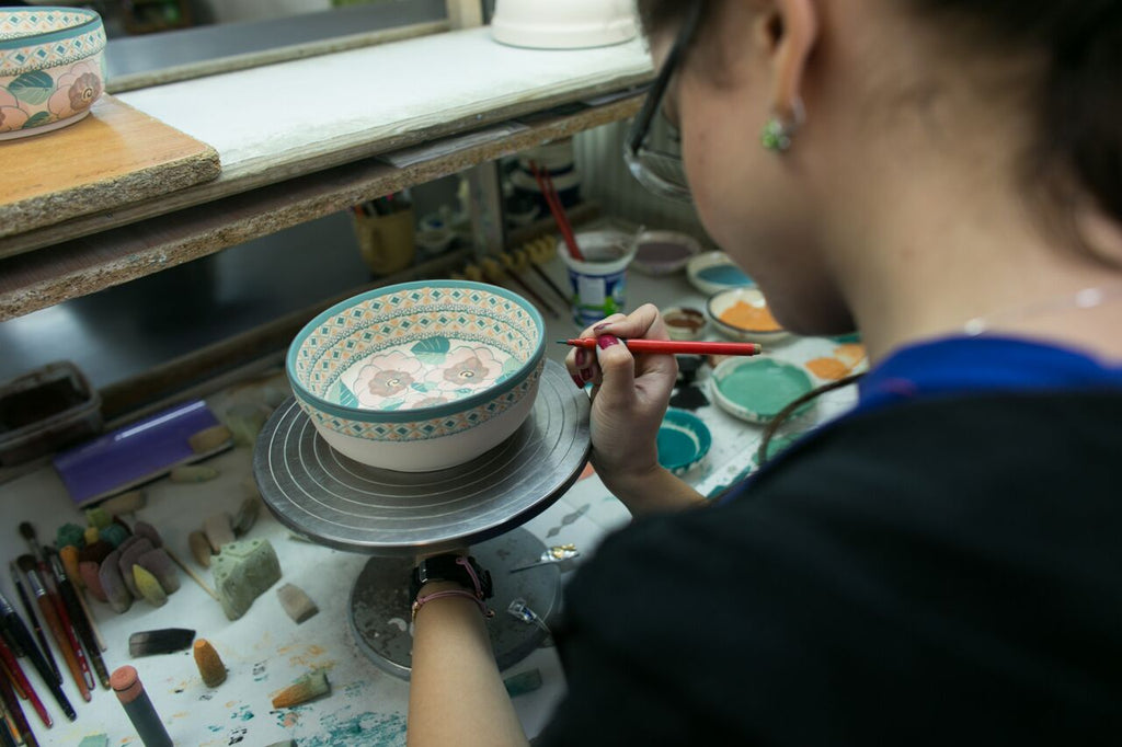 Hand painting Polish Pottery