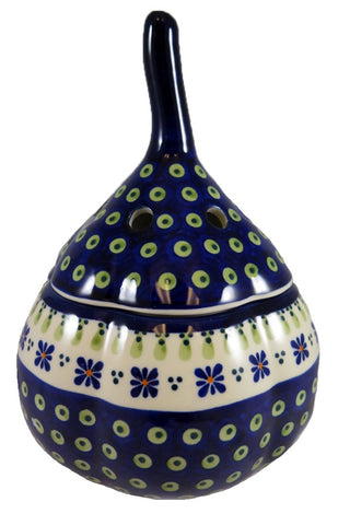 1835-296A large garlic baker side view
