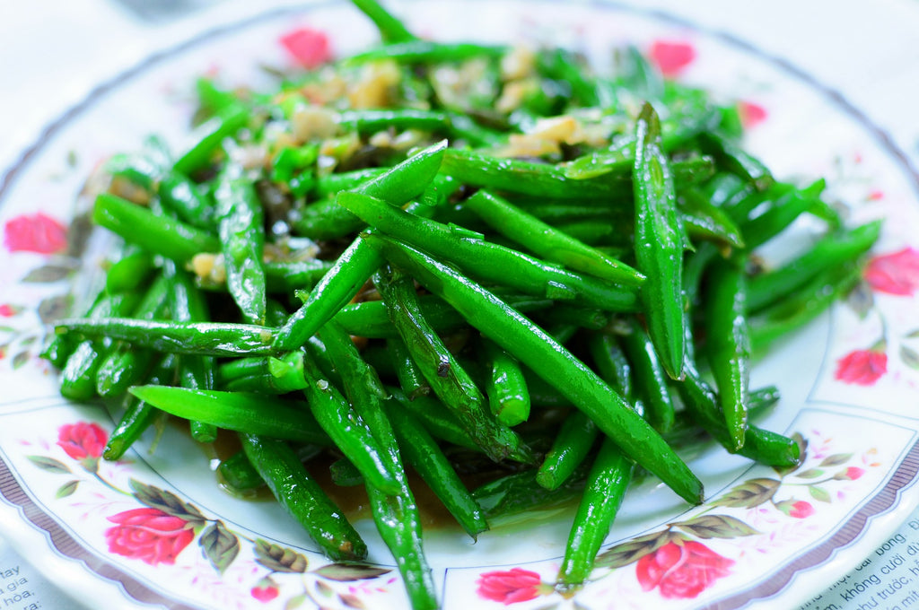 Lemon-Garlic Green Beans With Pine Nuts