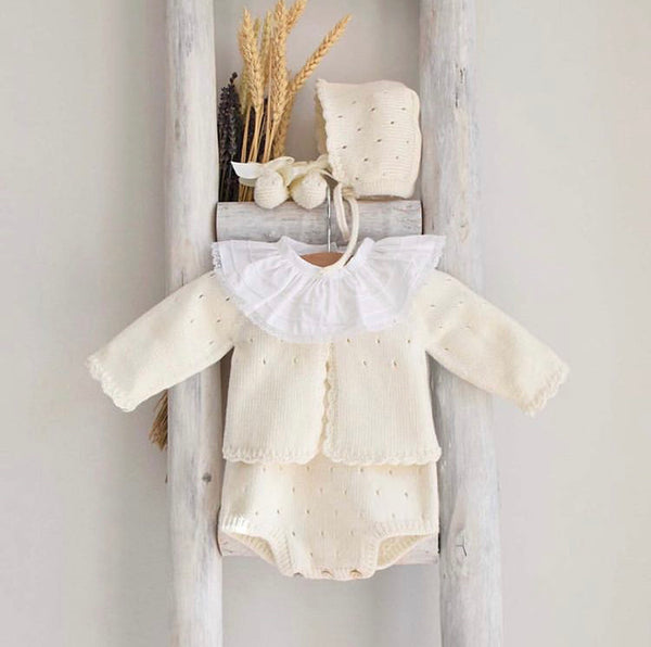 Organic cotton booties in cream