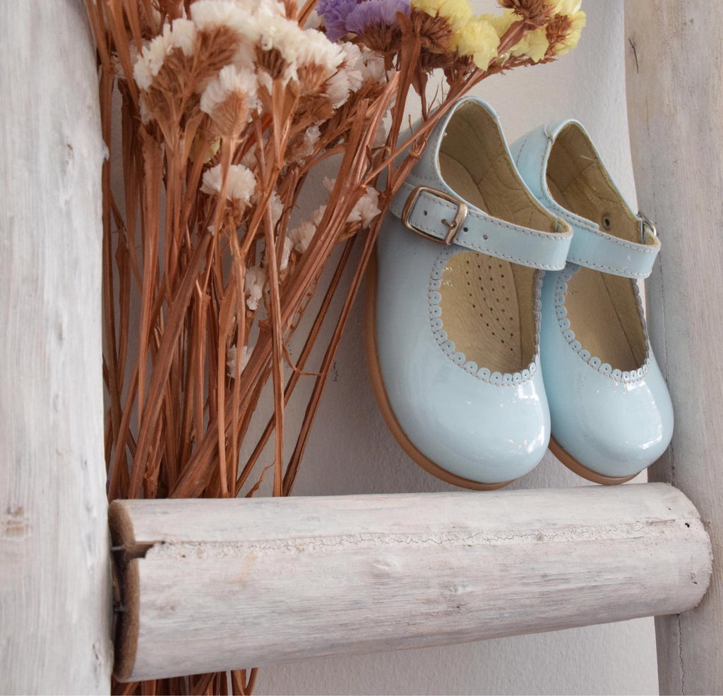 Patent leather Mary Jane shoes in pale blue