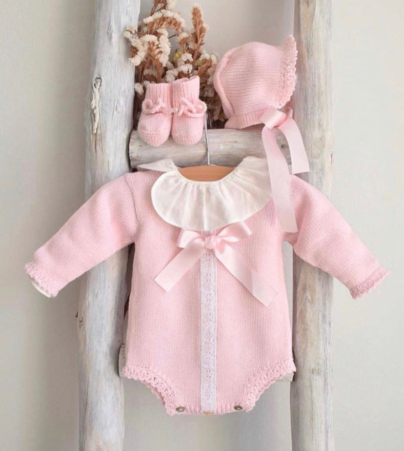 Pink long sleeves knitted romper