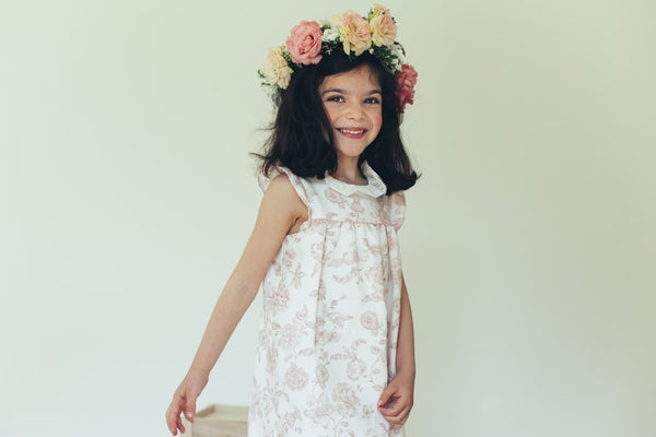 Flowery dress with embroided collar