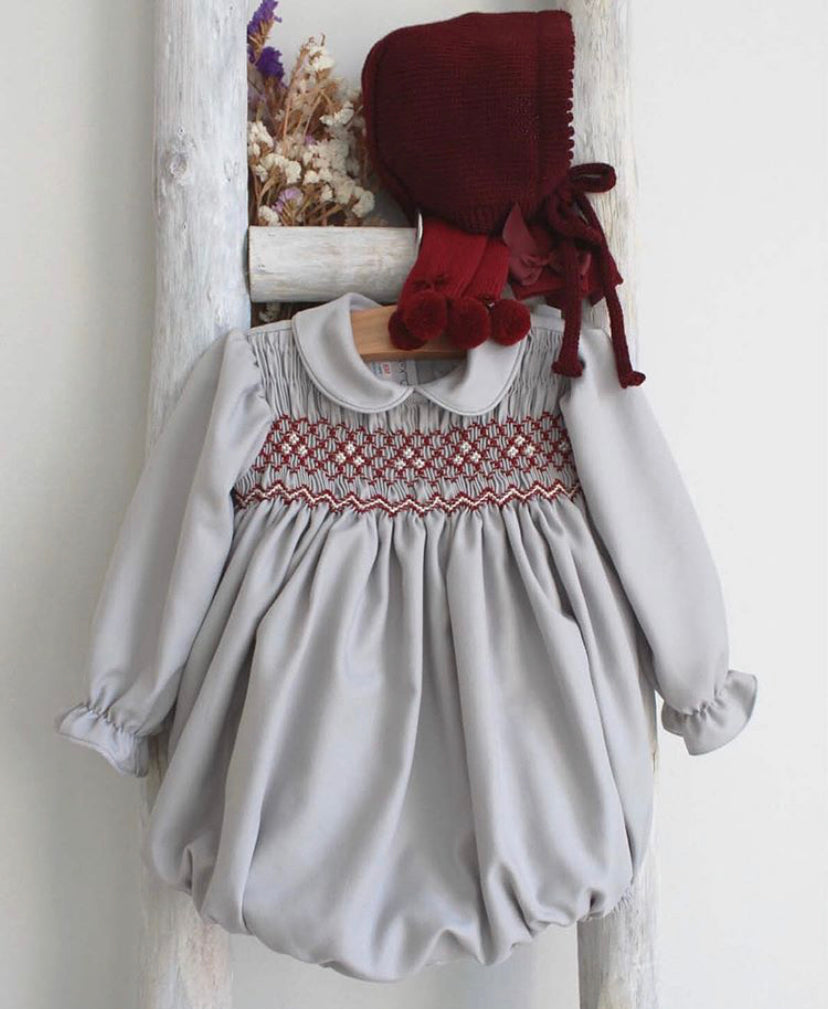 Grey romper with burgundy details