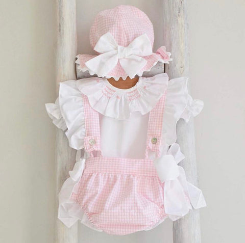 Frilly bloomers with straps