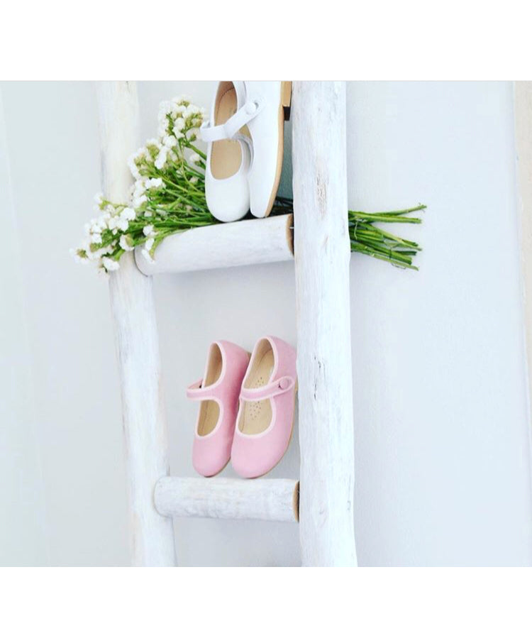 Pink leather Mary Jane shoes