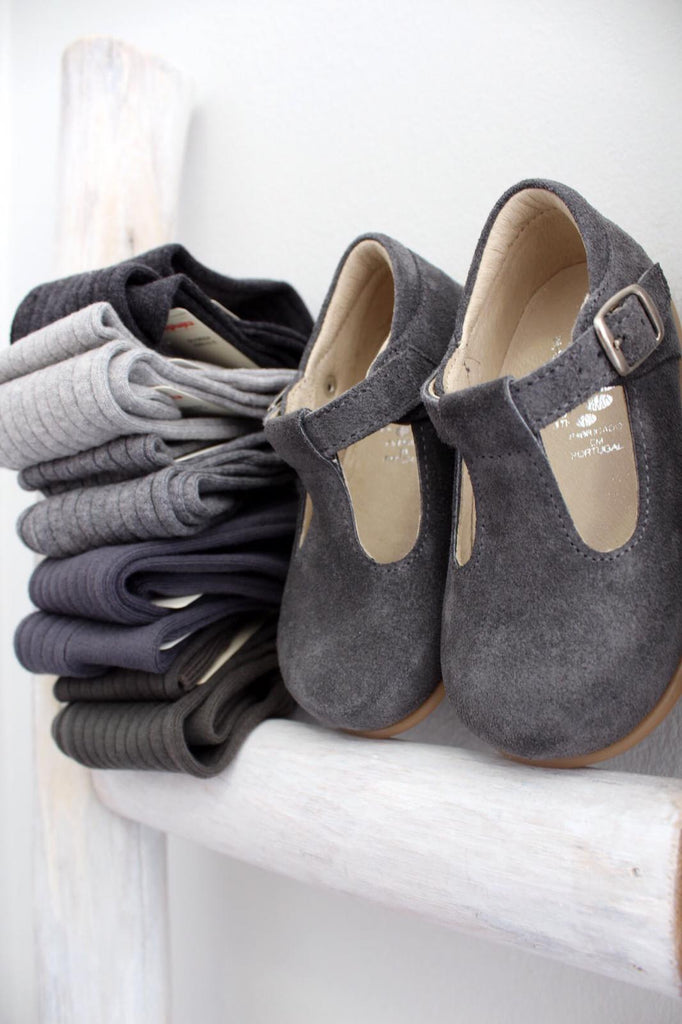 T-bar baby shoes in grey