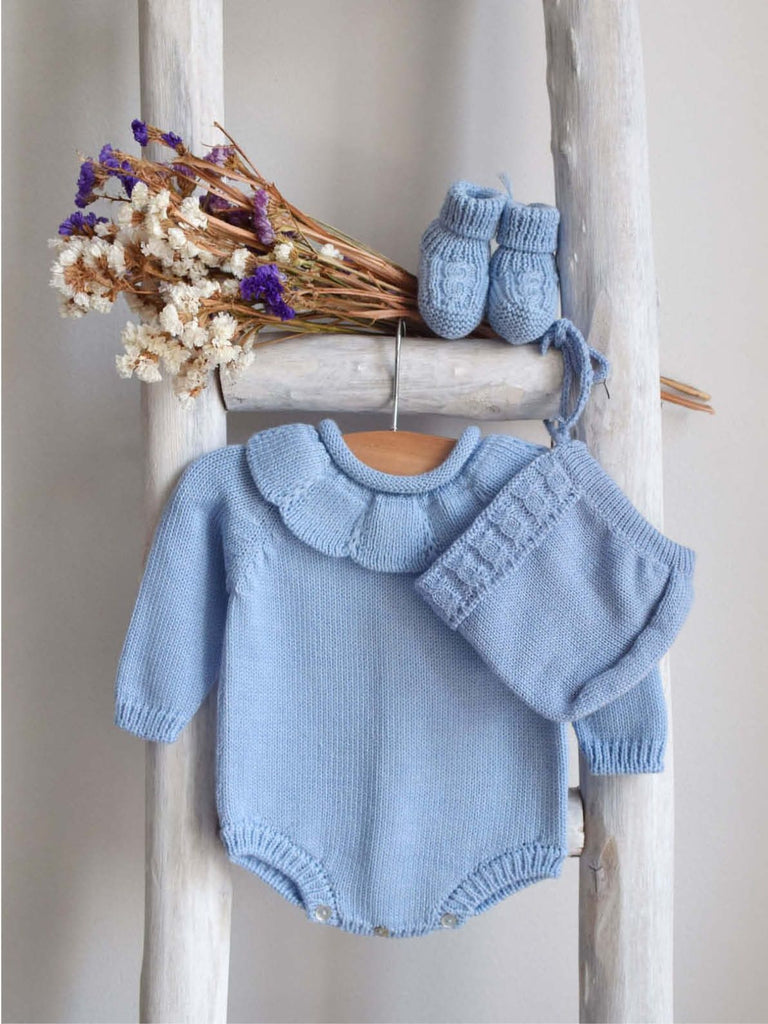 Blue knitted romper with collar