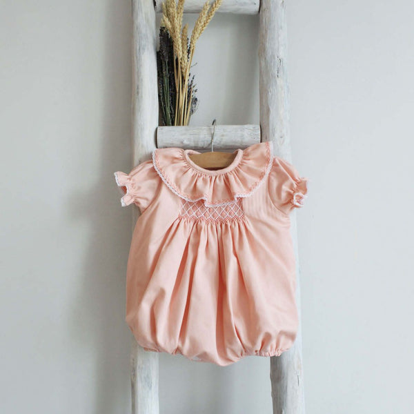 Elle romper in peach