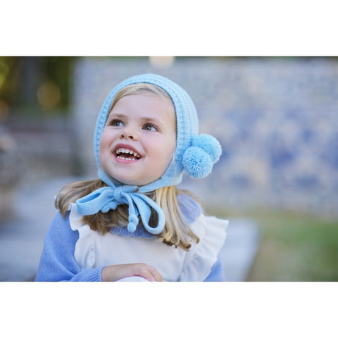 Pompom light blue bonnet