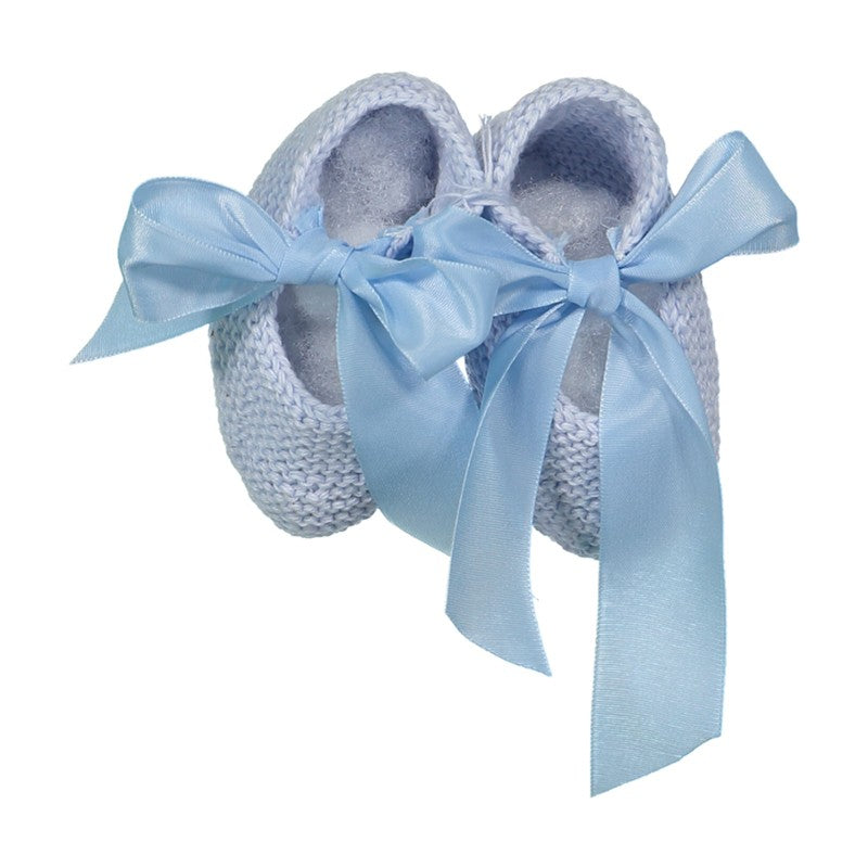 Blue knitted shoes with silk bow