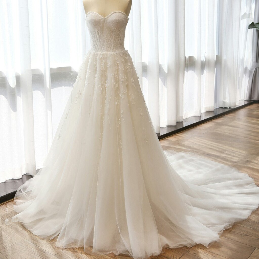 Charming Sweetheart Long A-line Appliques White Tulle Wedding Dresses, WD0153