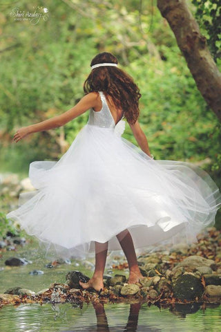 products/silver-sequin-top-v-back-white-tulle-a-line-flower-girl-dresses-junior-bridesmaid-dresses-fg062-1594790477852.jpg