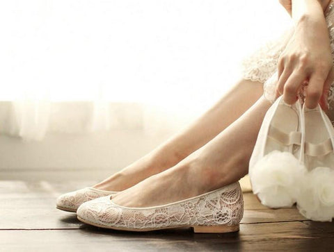 products/sweet-princess-lace-pointed-toes-wedding-bridal-shoes-with-handmade-flower-s029-16582489481.jpg