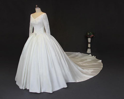 products/v-neckline-long-sleeve-lace-a-line-long-tail-wedding-dresses-sexy-open-back-custom-made-long-wedding-gown-cheap-wedding-gowns-wd206-1732308303900.jpg