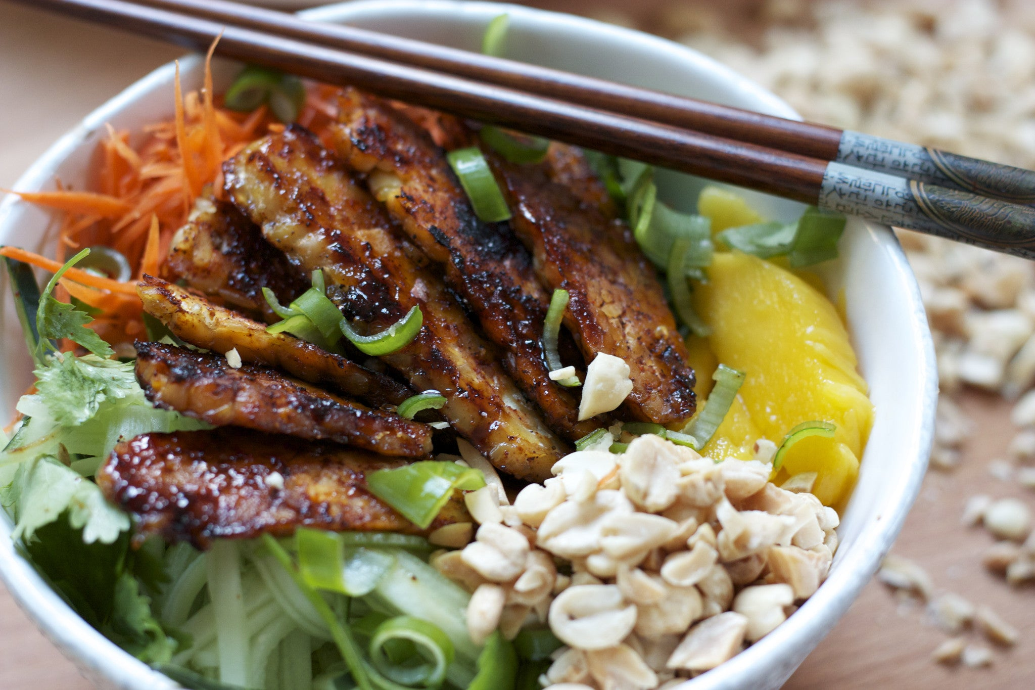 Vietnamese Noodle Bowl with Sweet and Spicy Tempeh