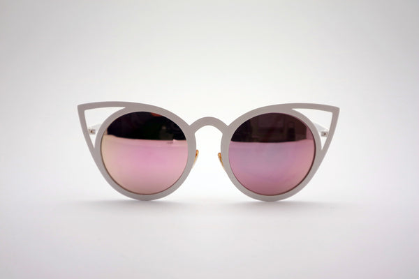 Queens Love - Pussy Power Sunglasses - White Pink