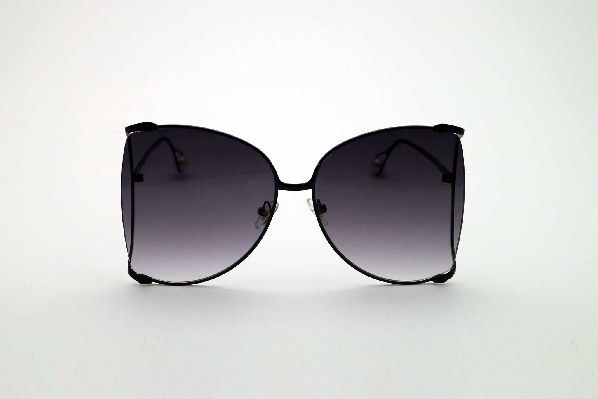 2c9b2a251cb0b Queens Love - Woodstock Wonderland Sunglasses - Black Black - Queen ...