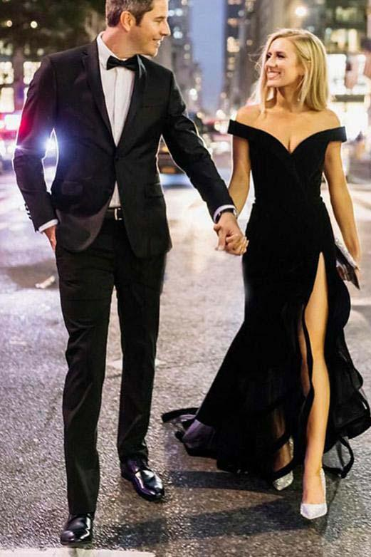 Chic Off the Shoulder Short Sleeves V Neck Long Black Prom Dresses With Slit