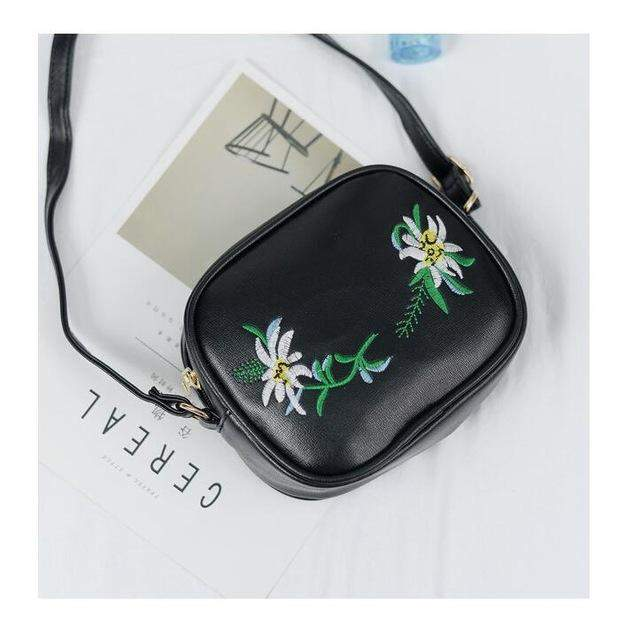 2017 Summer Embroidery Pu Leather Women Messenger Bags Small Women Bag Female Shoulder Crossbody Bag Floral Flap bag LB188 - successmall