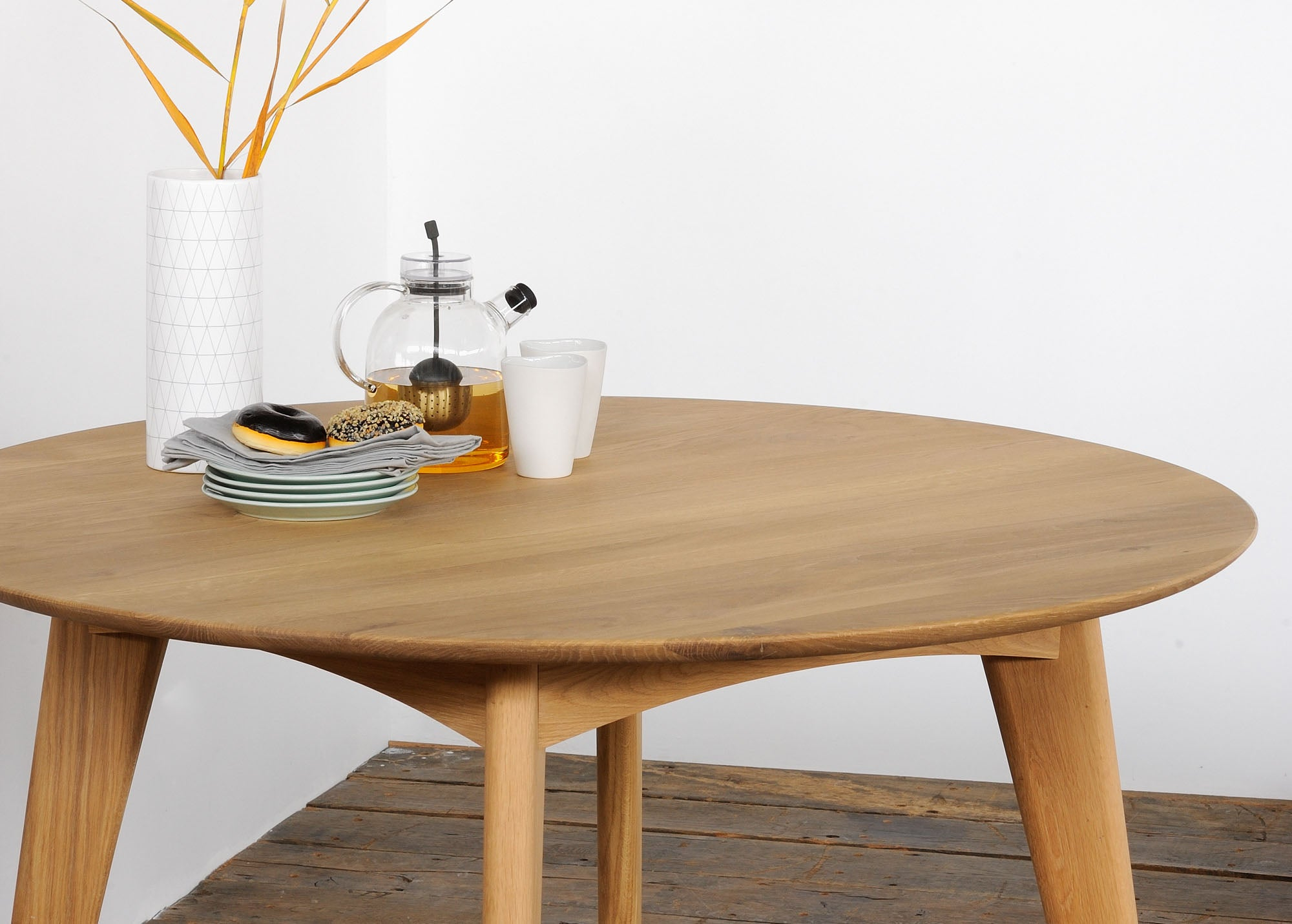Eth Oak Osso Round Dining Table 53031 Hunter Valley Design