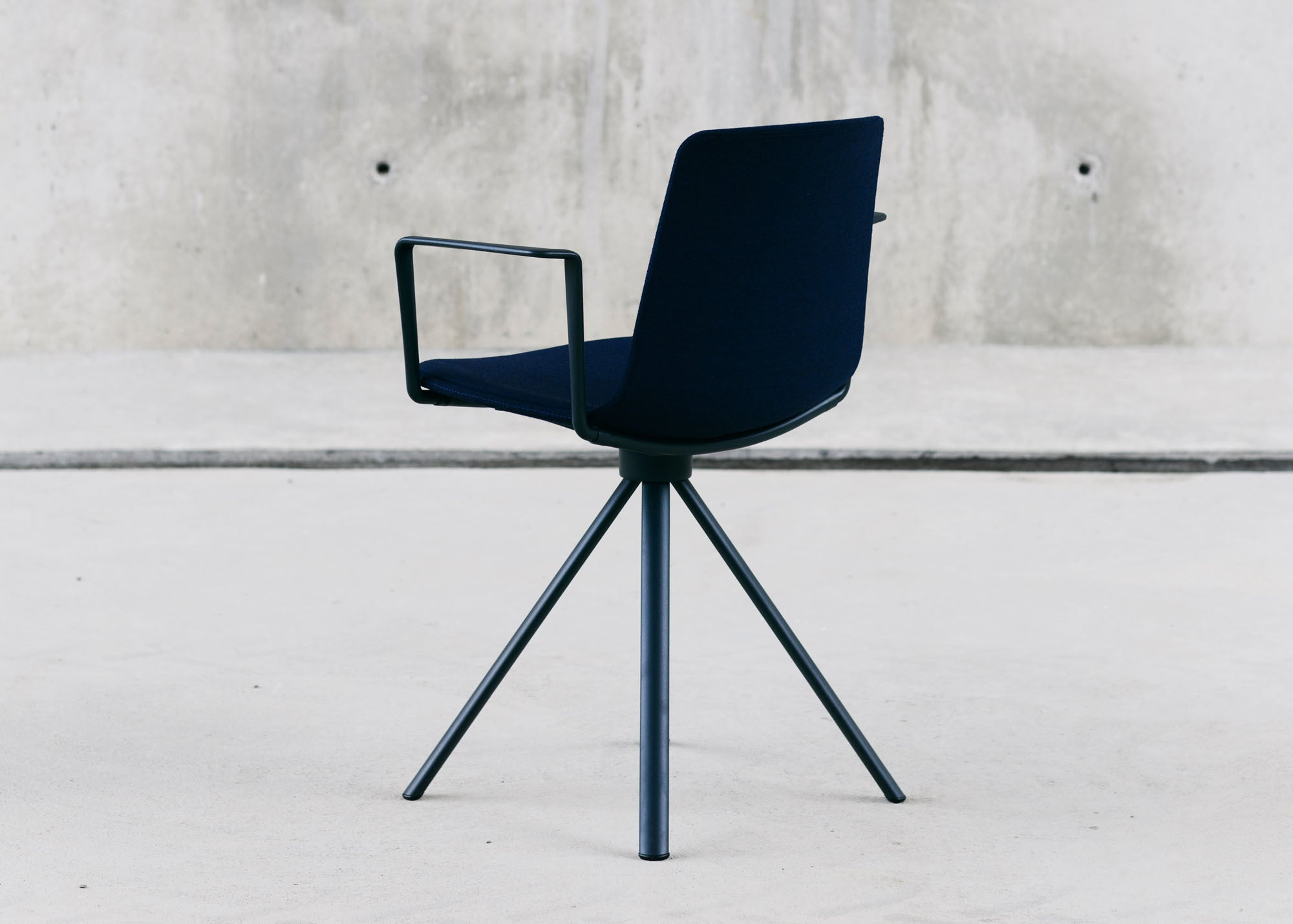 EN~Lottus Chair Low Back Spin 5840