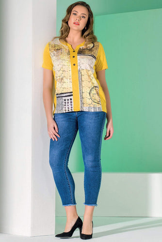 Kalisson Tops 10 / Yellow / Short Sleeve Abstract Printed Top in Yellow