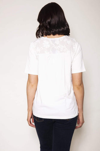 Kelly & Grace Weekend Tops Applique Top in Ivory