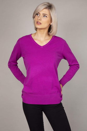 J'aime la Vie Jumpers Purple Basic V-Neck Knit in Magenta