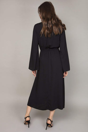 Rowen Avenue Dresses Bell Sleeves Dress in Black