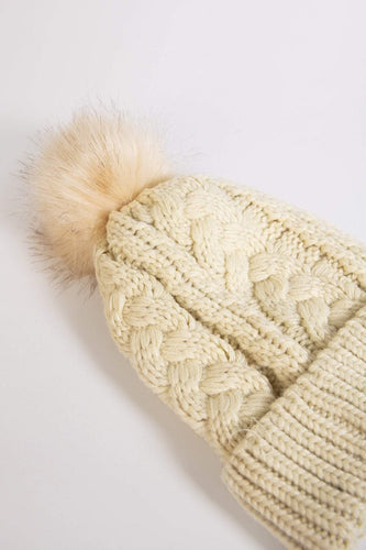 SOUL Accessories Hats One / Beige Knitted Hat in Beige