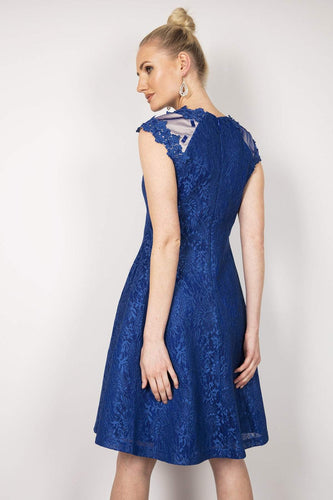 Amber Dresses Lace Dress in Blue