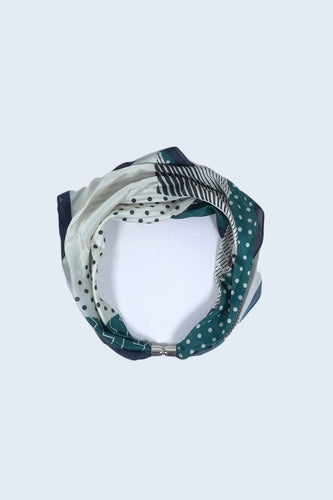 SOUL Accessories Scarves Green Magnetic Scarf in Green