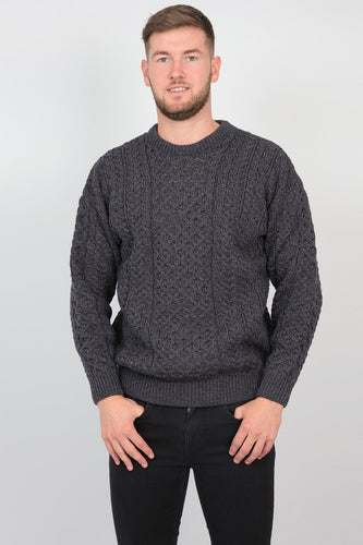 Aran Woollen Mills Jumpers Charcoal / XS Mens Traditional Aran Sweater in Charcoal