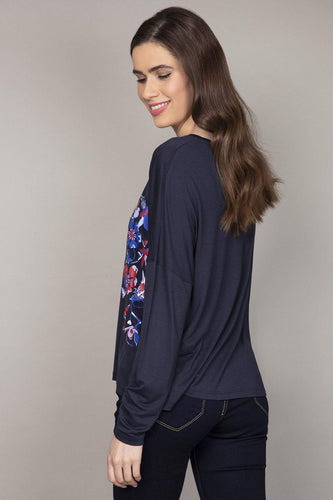 Kelly & Grace Weekend Tops Placement Print Top in Navy