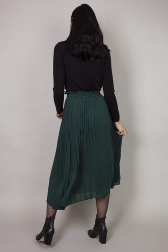 Rowen Avenue Skirts Pleated Skirt in Green