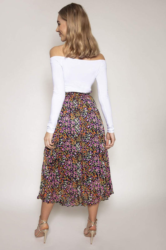 Rowen Avenue Skirts Pleated Skirt in Multi Print
