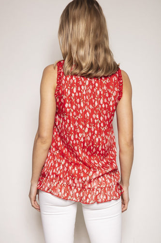Rowen Avenue Tops Sleeveless Floral Blouse in Rose Print