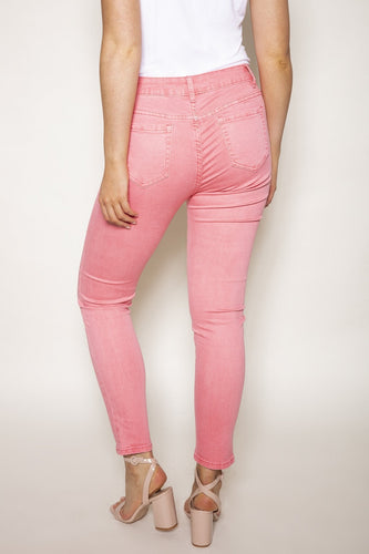 Rowen Avenue Jeans Soft Touch Denim Jeans in Pink