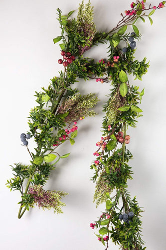 Carraig Donn HOME Wreaths and Garlands Summer Berry Garland