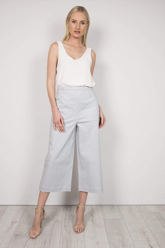 Kelly & Grace Weekend Trousers Grey / 8 Wide Crop Pants in Grey