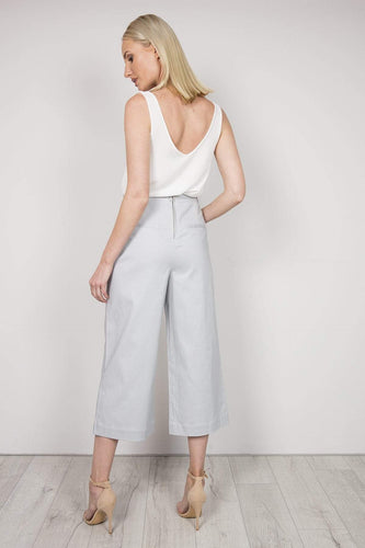 Kelly & Grace Weekend Trousers Wide Crop Pants in Grey