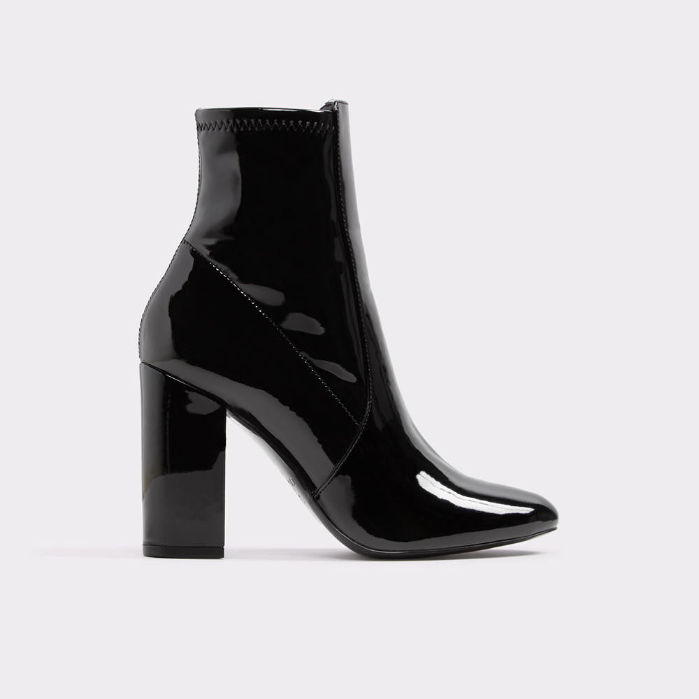 Aurella Pointed toes and block heels