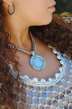 Load image into Gallery viewer, Cuvée Medallion Necklace