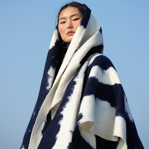 MONGOLIA CLOUD Handcrafted cashmere felt shawl