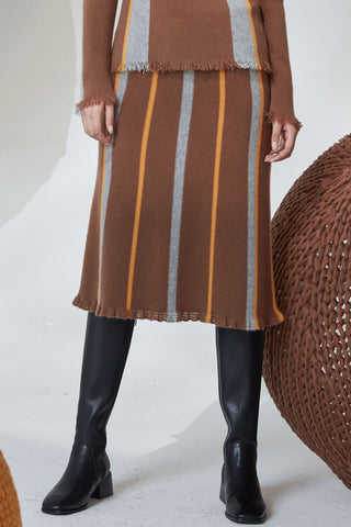 100% cashmere knitted A-shaped skirt