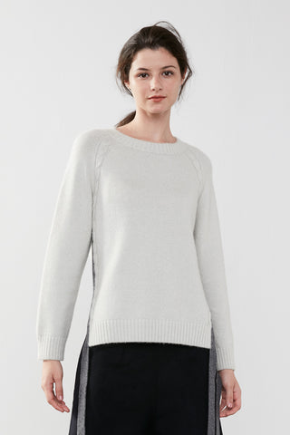 Cable-knit cashmere sweaterc